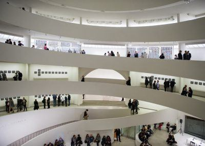 musee-guggenheim-personnes
